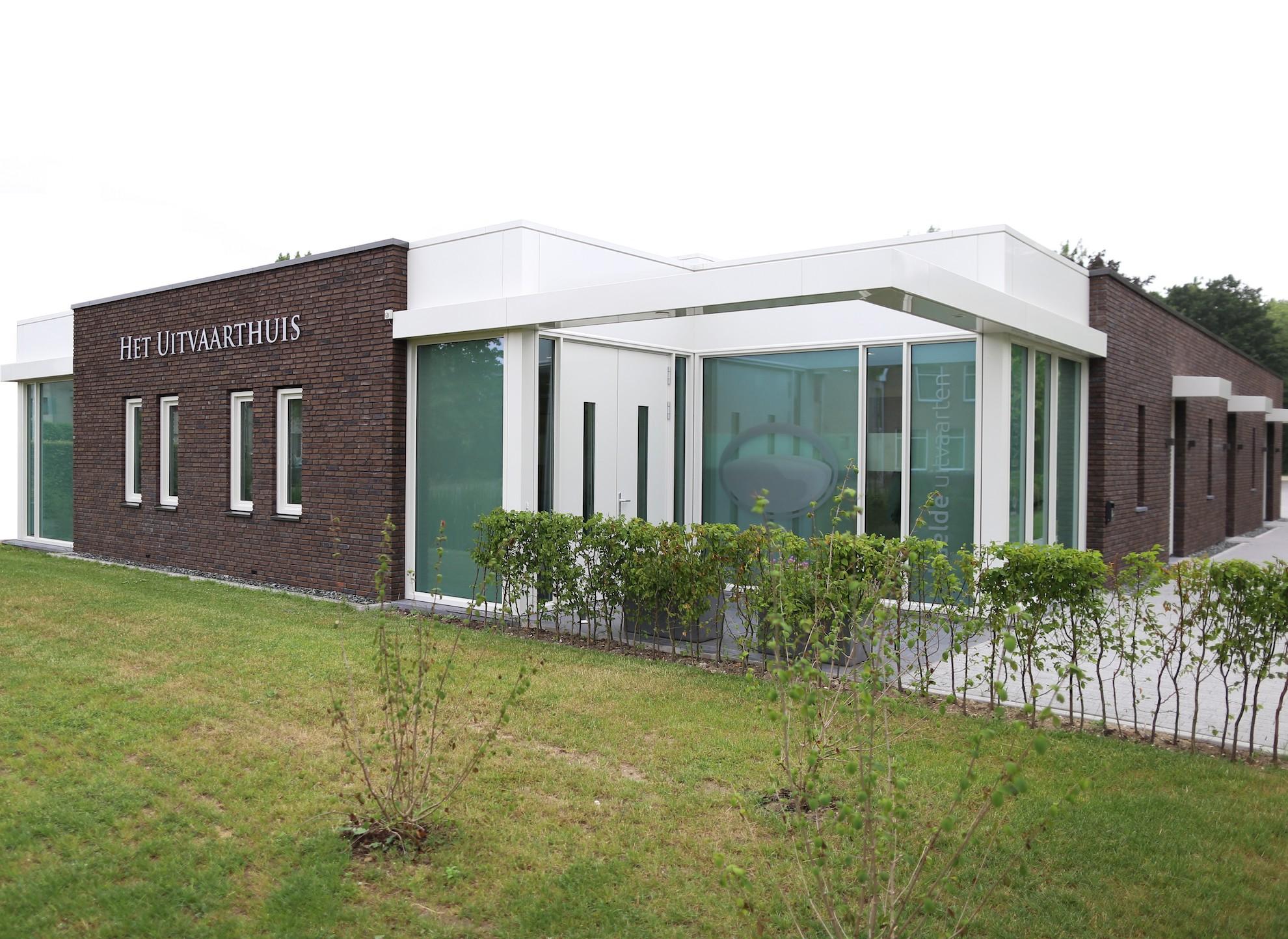 Het Uitvaarthuis
